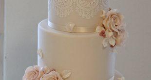 Hochzeitstorte www.diezuckerbaec...