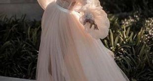 Mantel / Spalte Bateau Spitze Hochzeitskleid mit Langarm Open Back Hochzeitsklei...