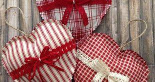 Christmas Hanging Hearts / Christmas Hearts Ornaments / Set of 3 / Vintage Christmas Ornaments / Fabric - Homespun Xmas Hearts Decor