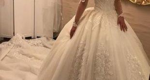 Duchesse-Linie Off-the-Schulter Königliche Schleppe Brautkleid mit Rüschen App...