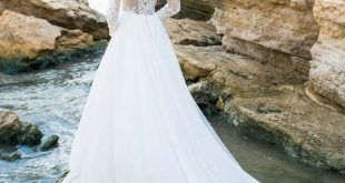 A-Line White Lace Appliques Wedding Dress Long Sleeve Bridal Gown Custom