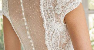 Gorgeous wedding dress with stunning back details #weddinggown #weddingdress