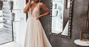 Leichte Champagner Spitze und Tüll Boho Brautkleid - Daisystyledress - #Boho #B...