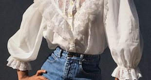 Stunning vintage 70s Gunnies by Jessica Victorian inspired blouse! Has a hig...